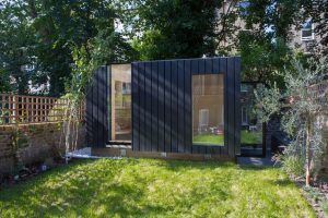 Shadow-Shed_Garden-Pavilion_Neil-Dusheiko-Architects_blackened-timber_cedar_London_UK