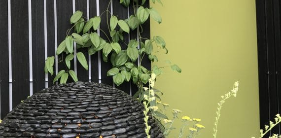 James Lathams Yūkari 'Ogawa' Shou Sugi Ban cladding used in a garden displayed at the RHS Flower Show with garden feature